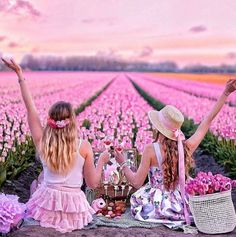 🌺 u are beautiful 🌺 on We Heart It Best Friend Photography, Cute Photography, Portrait Photography, Bff Images, Bff Pictures, Best Friends Shoot, Best Friend Pictures, Good Morning Beautiful People, Best Friend Drawings