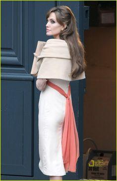 Angelina jolie on the set of the tourist!! - angelina-jolie Photo