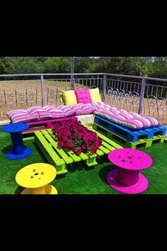 funky yard ideas | Funky DIY furniture to brighten up your backyard!