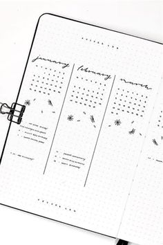 Check out the 25 best bullet journal future log spreads for inspiration! Bullet Journal Future Log Layout, Minimalist Bullet Journal Layout, Bullet Journal Yearly, Bullet Journal Spread, Bullet Journal Ideas Pages, Bullet Journal Inspiration, Bujo, Bullet Journal Lettering Ideas, Check