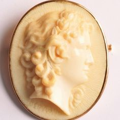Large ivory cameo of a woman in profile to the right, the signature of the artist is difficult to read.  46 x 39mm.  €780 Ivoire, Vintage Jewelry, Profile, Paris, Woman, Antiques, User Profile, Antiquities, Montmartre Paris