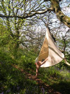 Gemütlich abhängen - Im Garten, auf dem Balkon oder unterwegs mit Hängezelt Bonsai Ø120cm in Natuweiß von Cacoon