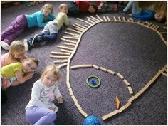 New Absolutely Free preschool activities reggio Tips With regards to setting up frolicsome learning actions pertaining to very young children, it isn't really one dimensi Montessori Kindergarten, Fall Preschool Activities, Free Preschool, Preschool Learning, Infant Activities, Preschool Crafts, Reggio Emilia, Kindergarten Portfolio, Autumn Crafts