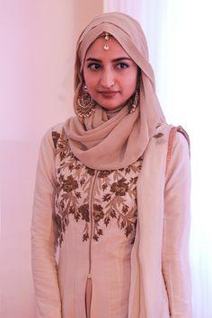 hijab india fashion blog farheen naqi Muslim Fashion, Bollywood Fashion, Modest Fashion, Hijab Fashion, Indian Fashion, Girl Fashion, Saree With Hijab, Hijab Trends, Hijab Ideas