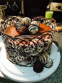 Bolo decorao Cakes Pinterest Melting chocolate Cake and