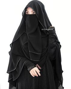 🖤🖤🖤 Im wearing beautiful farfala khimar (free cadar), please kindly to contact link on bio for details Hijab Gown, Hijab Style Dress, Casual Hijab Outfit, Beautiful Muslim Women, Beautiful Hijab, Niqab Fashion, Muslim Fashion, Burqa Designs, Islamic Girl