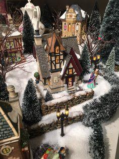 Dickens | Showcase Displays