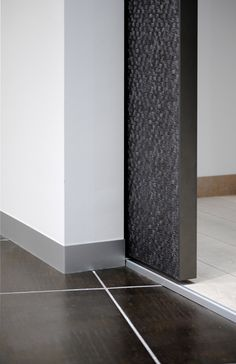 Detail of the Syntesis Line pocket door. No architraves or jambs, just the clean lines of wall/door/wall. Door Jamb, Flush Doors, Palette, Architrave, Pocket Doors, Home Reno, Skylight, Clean Lines, Sliding Doors