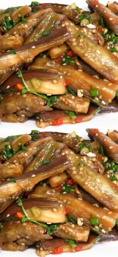 Баклажаны по-корейски: лучшая закуска к шашлыкам Russian Recipes, Kung Pao Chicken, Chicken Wings, Bacon, Food And Drink, Appetizers, Cooking Recipes, Ethnic Recipes, Kitchens
