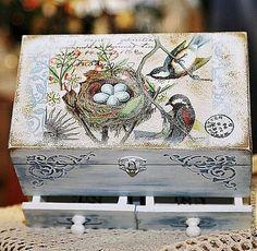 """Szkatułka ręcznie.  Targi Masters - Spódniczka mini komoda na biżuterię """"Leć z hi ..."""".  Handmade."""