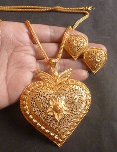 Gold Jewelry Buyers Near Me Gold Rings Jewelry, Black Gold Jewelry, Gold Jewellery Design, Gold Necklaces, Gold Pendent, Gold Chain With Pendant, Pendant Earrings, Pendant Jewelry, Gemstone Pendants