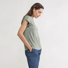 T-shirt,basic t-shirt,Short Sleeve t-shirt,cotton t-shirt,grey cotton t-shirt,short t-shirt,basic grey t-shirt,grey top,grey basic top,basic
