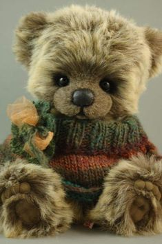 Valentino By The Wild Things - Susan Donaj - Cute fluffy bear boy made from a great Schulte faux fur Christmas Teddy Bear, Charlie Bears, Cute Stuffed Animals, Boyds Bears, Love Bear, Cute Teddy Bears, Bear Doll, Bear Cubs, Animal Crafts