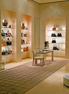 Výsledok vyhľadávania obrázkov pre dopyt interior of luxury fashion shop