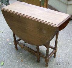 William & Mary Style Drop-leaf Gate-leg Table.
