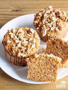Trust me on this: These pumpkin muffins with homemade pumpkin puree are perfect for a brunch gathering or breakfast with a group.
