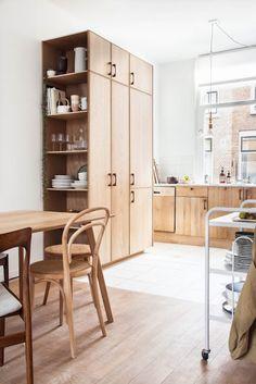 Home Interior Design — Kitchen Makeover Kitchen Cabinet Design, Kitchen Shelves, Interior Design Kitchen, Kitchen Cabinets, Kitchen Storage, Modern Cabinets, Wood Storage, Wood Cabinets, Kitchen Designs