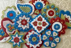 This post gives information on my Ornament/Pincushion   Class that I teach to guilds, stitching groups and retreats.         There are...