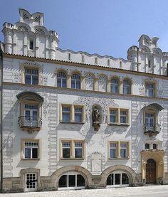 Renaissance house at Elizabeth Embankment in Hradec Králové, Czechia Sgraffito, Czech Republic, Renaissance, Group, Mansions, House Styles, Home Decor, Bohemia, Nice Asses
