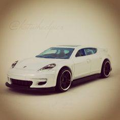 "Porsche Panamera - 2015 Hot Wheels ""Thrill Racers"" #hotwheels | #toys | #diecast | #Porsche"
