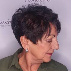 The Best Hairstyles and Haircuts for Women Over 70 - Brunette Pixie Hairstyle over 70 - Blonde Pixie, Brünetter Pixie, Pixie Cuts, Ash Blonde, Blonde Balayage, Creative Hairstyles, Short Hairstyles For Women, Hairstyles Haircuts, Pretty Hairstyles