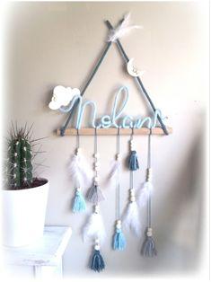 Wire Crafts, Diy Home Crafts, Crafts For Kids, Macrame Wall Hanging Patterns, Macrame Patterns, Diy Bebe, Baby Room Diy, Macrame Design, Custom Wall