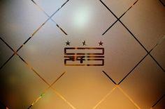 Seth Design Group :: Restaurant Branding Consultants :: Logos, Menus, Websites :: Washington, DC & Beyond - GCDC Grilled Cheese Bar Restaurant Logo Design, Restaurant Bar, Grilled Cheese Bar, Street Food Business, Pancake Bar, Package Design, Logo Inspiration, Radios, Washington Dc