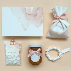 Geboortekaartje + doopsuiker voor Marie-Lou met rosé folie en waterverf
