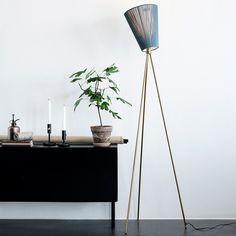 Northern Lighting Oslo Wood Gulvlampe | Designbelysning.no