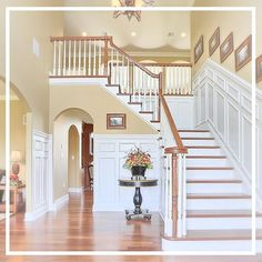 Grand staircases make a grand impression! See more stunning staircases and entryways here: http://www.houzz.com/ideabooks/51303402/thumbs/entryways
