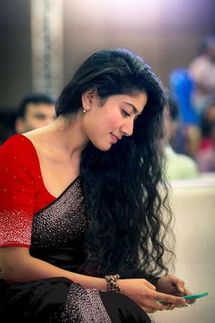 Sai pallavi cutest tollywood south Indian Actress insane beauty face unseen latest hot sexy images of her body show and navel pics with big. Beautiful Girl Indian, Most Beautiful Indian Actress, Sai Pallavi Hd Images, Indian Designer Sarees, Saree Photoshoot, South Indian Actress, South Actress, Stylish Girl Images, Girl Photography Poses