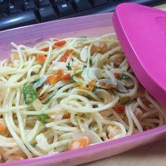 """Salah satu makanan favoritku """"aglio olio""""  bisa utk sarapan, lunch or dinner 👍"""