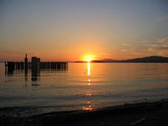 The best west facing sunsets on the Sunshine Coast of BC.At Beachside Waterfront Suites. Oceanfront accommodation at Davis Bay, (Sechelt), BC. Ocean Front Property, Waterfront Property, Pacific Coast, West Coast, Sunshine Coast Bc, Best Sunset, Amazing Sunsets, Romantic Getaway, Beach Cottages