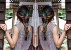hair jeweled hair styles I want her hair NOW! Want her hair Boho Hairstyles, Pretty Hairstyles, Style Hairstyle, Princess Hairstyles, Hairstyle Ideas, Medium Hairstyle, Wedding Hairstyles, New Hair, Your Hair