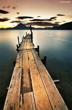 Fotos de Panajachel - Atardecer desde el muelle de Panajachel en el Lago de Atitlan, Guatemala