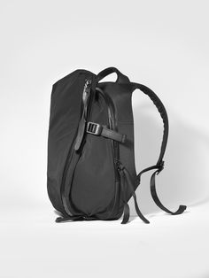 940814a75f2b The cote ciel x Y s Isar Echo Rucksack in Memory Tech carries the  futuristic design of the Isar and is the first compact version of this  model prompted by ...