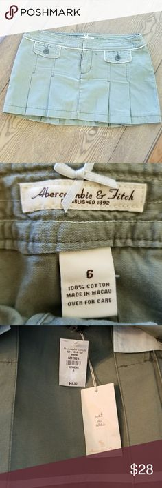 NWT!! Abercrombie & Fitch Skirt Absolutely adorable. Never worn.  100% cotton.  Extra buttons included Abercrombie & Fitch Skirts Mini