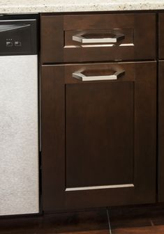 Royce cabinet pull from Jeffrey Alexander by Hardware Resources