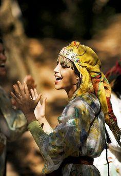 Leïla Bekhti in La Source des femmes
