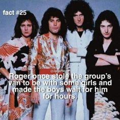 Queen Photos, Queen Pictures, Queen Ii, I Am A Queen, Queen Facts, Queen Meme, Roger Taylor Queen, Queen Band, Killer Queen