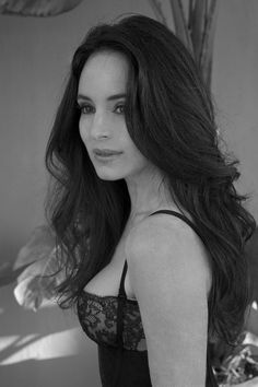 Madeleine Stowe - Unlawful Entry, China Moon, The General's Daughter, Blink, the Last of the Mohicans. Beautiful Celebrities, Beautiful Actresses, Beautiful People, Most Beautiful, Madeleine Stowe, Victoria Grayson, Divas, Great Hair, Dark Hair