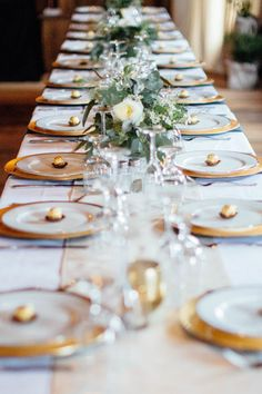 A Gold Colour Palette: 5 Must-Haves for a Gilded Wedding