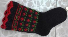 latvian knitting pattern / natural wool/