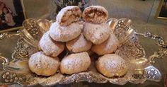 Ελληνικές συνταγές για νόστιμο, υγιεινό και οικονομικό φαγητό. Δοκιμάστε τες όλες Pastry Cook, Greek Recipes, Apple Recipes, Delicious Desserts, Cupcake Cakes, Deserts, Food And Drink, Sweets, Baking