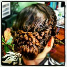 Hair Tutorials : Gorgeous braid bun / Braids #hair