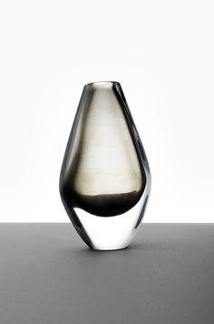 Nils Landberg glass vase at Studio Schalling