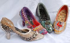 Mosaic shoes for the garden!