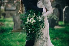 Loose and natural fern and jasmine wedding bouquet // Enchanted Brides Photography // The Natural Wedding Company
