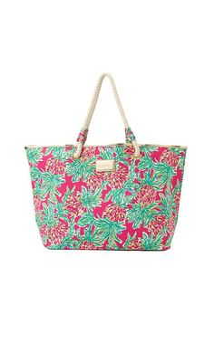 Shoreline Tote in Spike the Punch Bowl now $39 Lilly Pulitzer