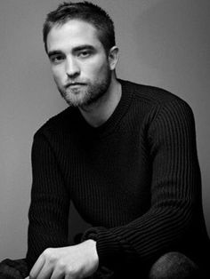 robert pattinson....oh my!  this is the hottest pic I've seen of him in a while